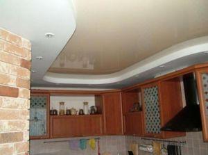 Опънат таван гланц за кухня .Цени за гланцирани опънати тавани в Бургас и Варна.