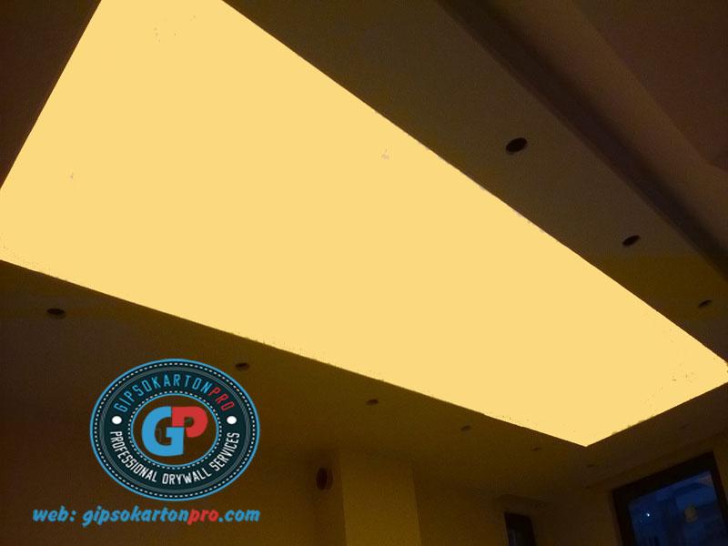 Опънати тавани Бургас Гланц с вградено ЛЕД осветление