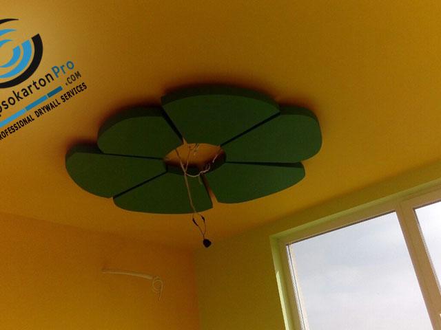 Окачен таван от гипсокартон с декоративен елемент - Цвете