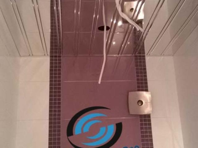 Окачен таван Хънтър Дъглас в тоалетна Варна