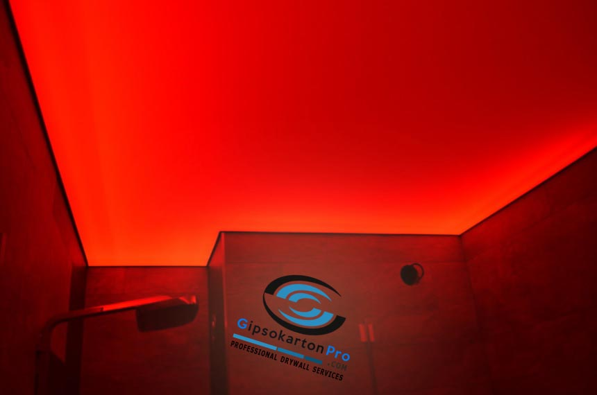 RGB освеление и опънати тавани в баня