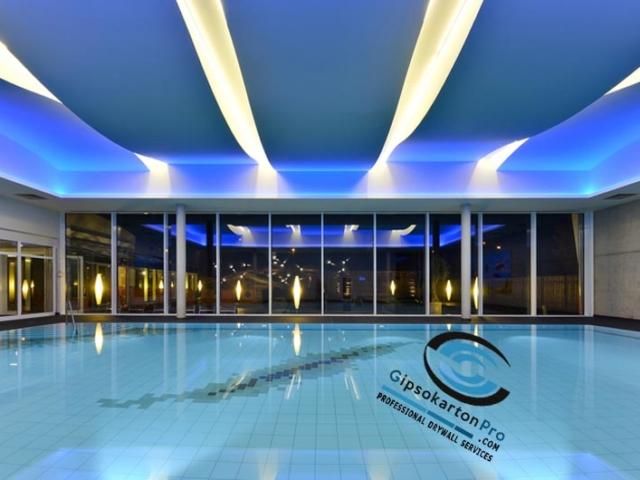 Монтаж на окачен таван в басейн . Изпълнение от гипсокартон под формата на вълни