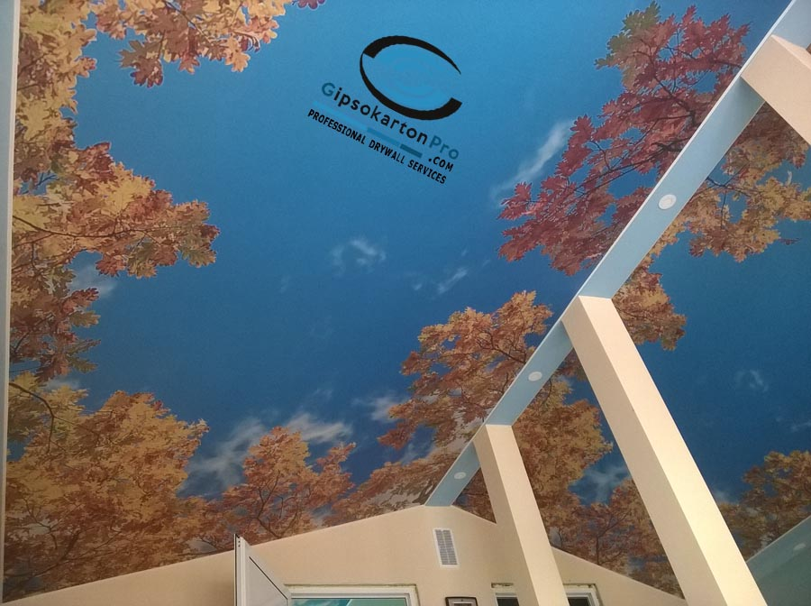 Опънати тавани с фотопечат на таванско помещение в Созопол