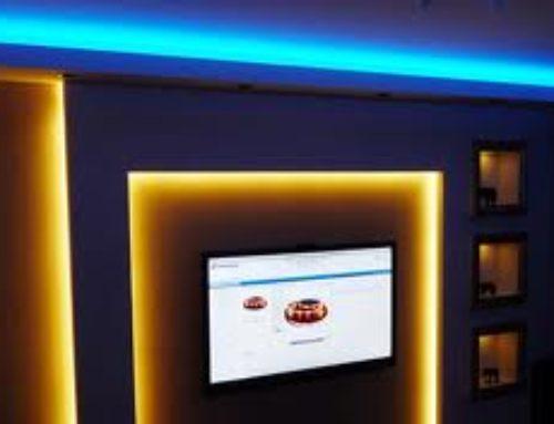 Окачени тавани със скрито или вградено LED осветление.