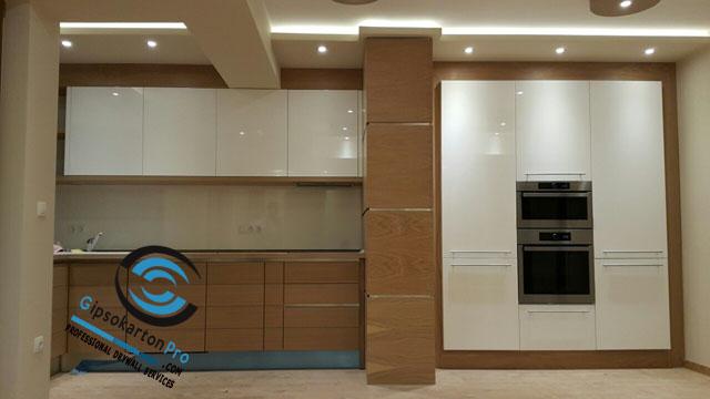 Окачен таван със скрито осветление за кухня