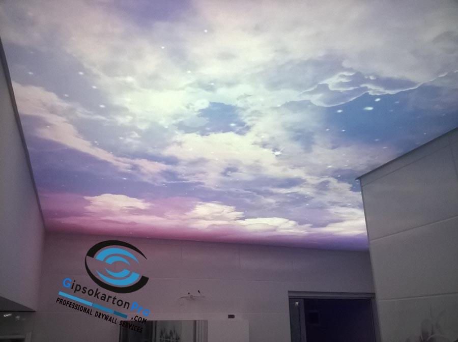 Опънат таван в баня с фотопечат и лед осветление