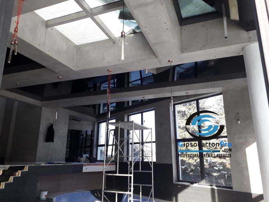 Монтаж на опънати тавани в басейн 3