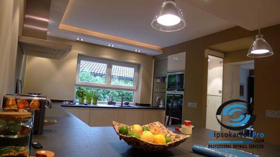 Окачен таван над кухненски бокс