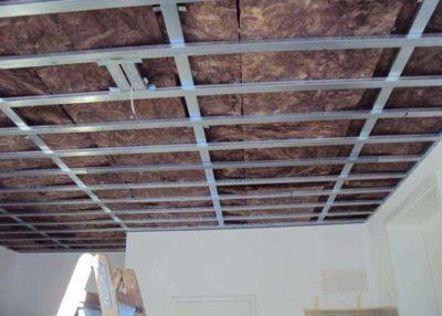 Конструкция на две нива за таван от гипсокартон по ситемата на Кнауф d112